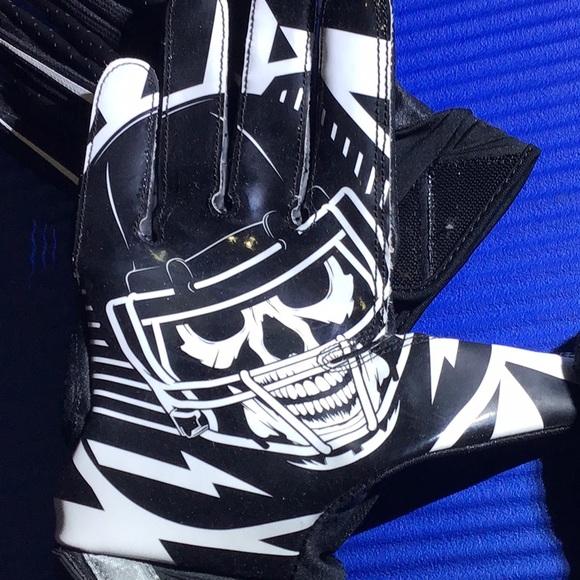 Nike Skull Gloves! 💀 🏍 Nike certified